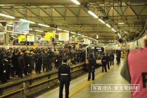 最終下り列車発車_R